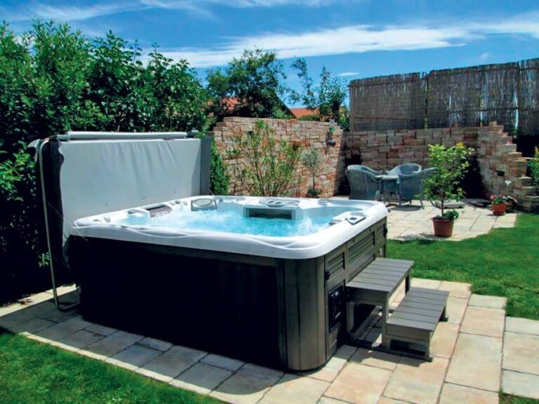 Hot tub installation in Springfield