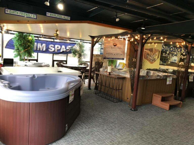 Hot tubs showroom in Springfield MO
