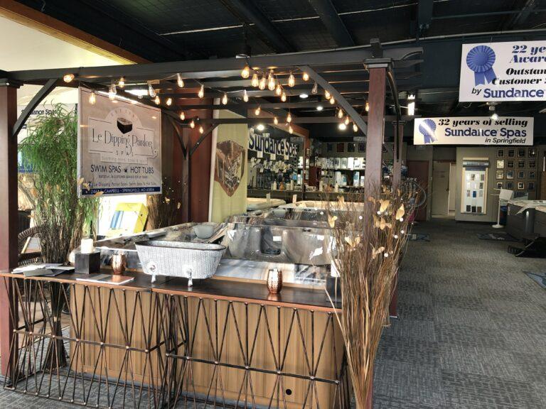 Hot tub and bar setup in Springfield MO